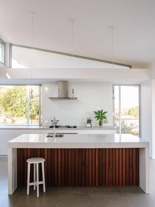 cucina moderna con pavimento con cementine foto e idee per arredare. Black Bedroom Furniture Sets. Home Design Ideas