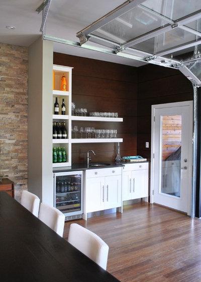Industrial Kitchen by Tanner Vine - 2Go Custom Kitchens Inc