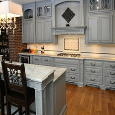 Traditional Kitchen by Barber Cabinet Co.