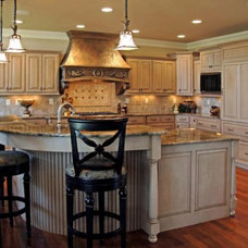 Kitchen Cabinetry by Barber Cabinet Co.