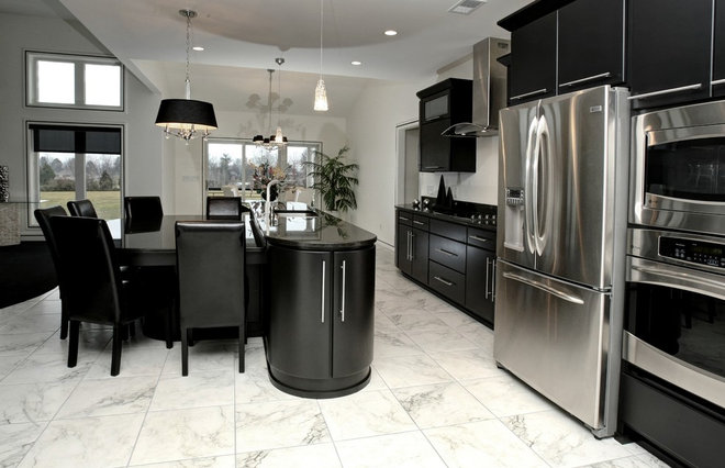 Modern Kitchen Cabinets by Barber Cabinet Co.