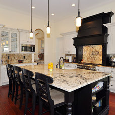 Mediterranean Kitchen by Javic Homes