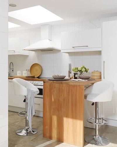 Moderne Cuisine by Vuong Interior Design