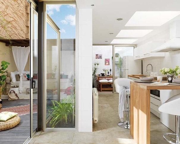 Modern Kitchen by Vuong Interior Design
