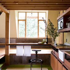 Farmhouse Kitchen by SHED Architecture & Design