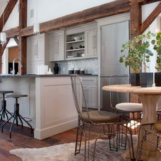 Farmhouse Kitchen by Arturo Palombo Architecture