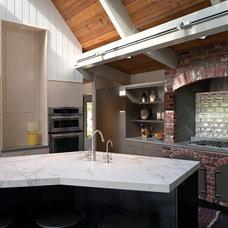 Contemporary Kitchen by Kuth / Ranieri Architects