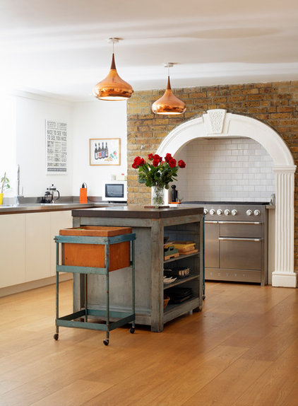 Victorian Kitchen by Redesign London Limited