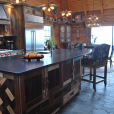 Rustic Kitchen by KPD Interiors