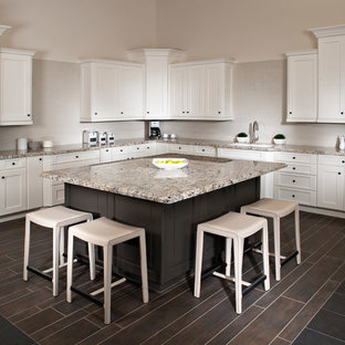 Transitional Kitchen Photo In Orange County