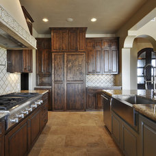 Mediterranean Kitchen by Capstone Custom Homes