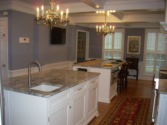 Traditional Kitchen by Dale Mickley