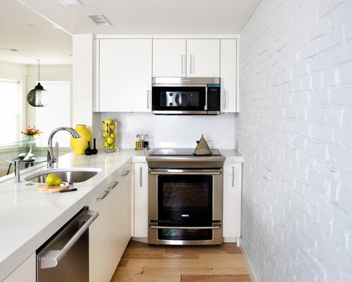 Basement apartment houzz for Basement apartment kitchen ideas