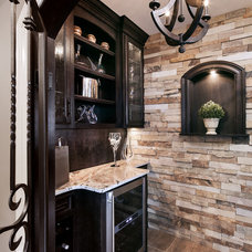 Traditional Kitchen by T Hurt Construction