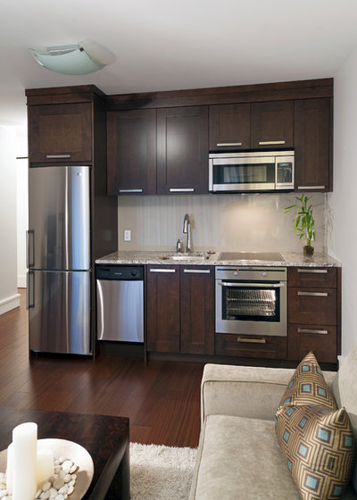 Transitional Kitchen by Old World Kitchens & Custom Cabinets