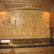 Kitchen by Studio 76 Kitchens and Baths