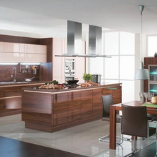 Modern Kitchen by BAUFORMAT