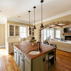 Traditional Kitchen by Zar Custom Homes, Inc