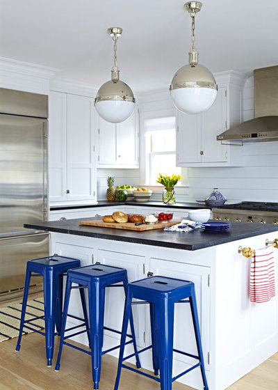 Beach Style Kitchen by Chango & Co.