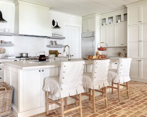 Cucina shabby-chic style con pavimento in mattoni - Foto e Idee ...