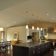 Contemporary Kitchen by McClellan Architects