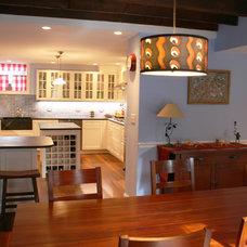 Contemporary Kitchen by Frank Valdes