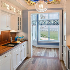 traditional kitchen by Bruce Palmer Coastal Design