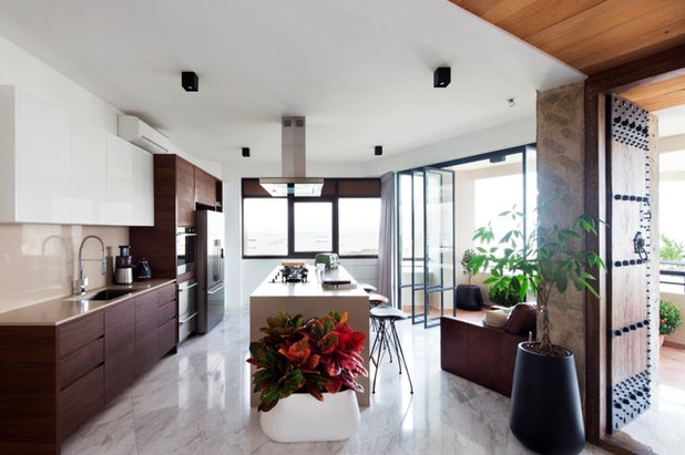 Contemporary Kitchen by The Carpenter's Workshop