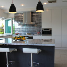 Contemporary Kitchen by Collaroy Kitchen Centre