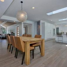 Midcentury Kitchen by Via Builders Inc