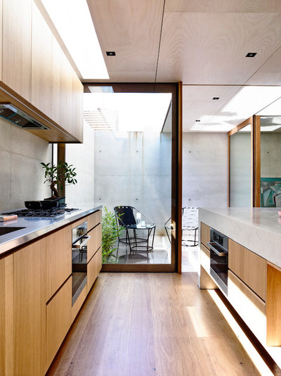 Modern Kitchen by Schulberg Demkiw Architects