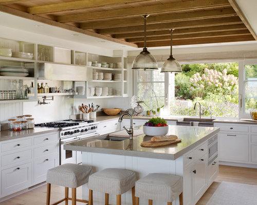 Modern Farmhouse Kitchen Design Ideas & Remodel