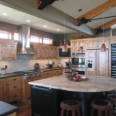 Contemporary Kitchen by Ronda Divers Interiors, Inc.