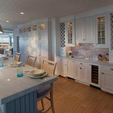 Beach Style Kitchen by Giorgi Kitchens & Designs