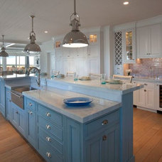 Beach Style Kitchen by Giorgi Kitchens & Designs