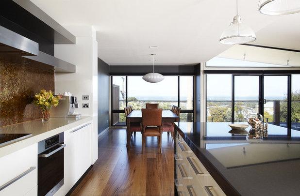 Beach Style Kitchen By Simpatico Interior Design