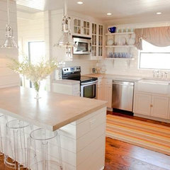 contemporary kitchen by Munger Interiors
