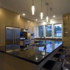 Contemporary Kitchen by kbcdevelopments
