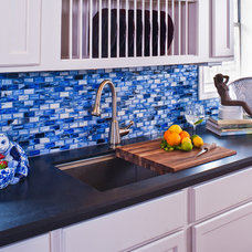 Contemporary Kitchen by Cindy Aplanalp-Yates & Chairma Design Group