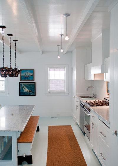 Bord de Mer Cuisine by Asher Slaunwhite Architects