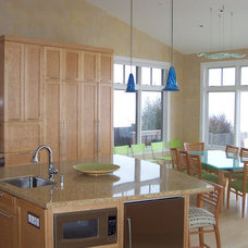 Modern Kitchen by Molto Bene Studios