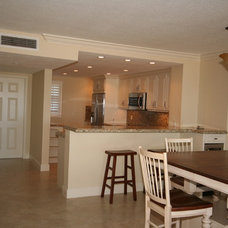 Tropical Kitchen by Broward Custom Kitchens, Inc.