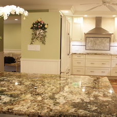 Traditional Kitchen by Interiors International, Inc.