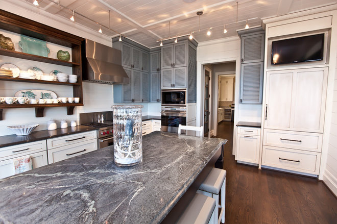 Beach Style Kitchen by Andrew Roby General Contractors