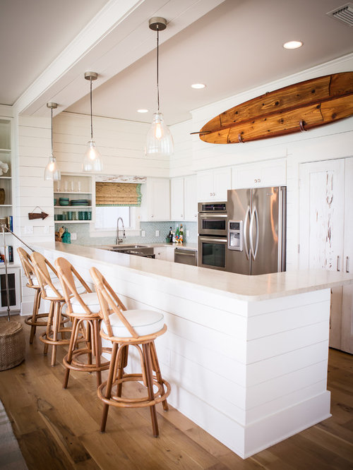 White beach house interior houzz for Beach house look interior design