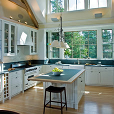 Beach Style Kitchen by Breese Architects
