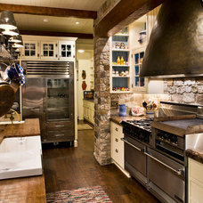 Beach Style Kitchen by Dennis Paige Real Estate