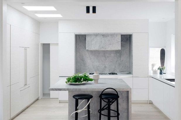 Beach Style Kitchen by iSpace Solutions