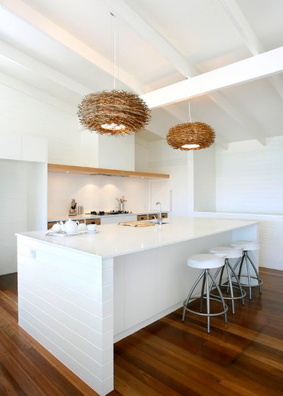 Beach Style Kitchen by Carole Tretheway Design