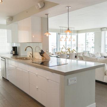 Beachside Condo | Kitchen | Coronado, CA